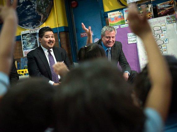 Mayor Bill de Blasio and DOE Chancellor Richard Carranza visit a 3K classroom.